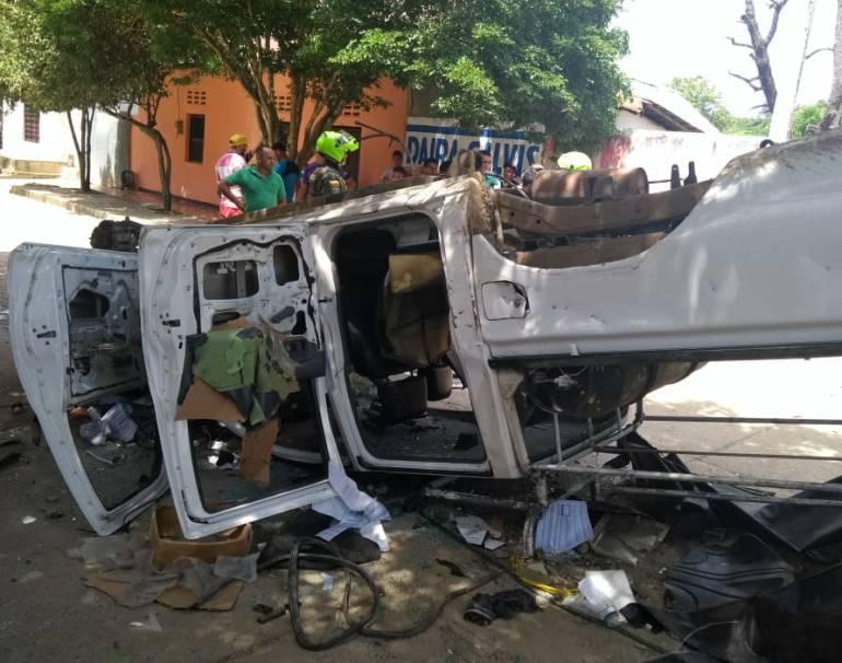 Destruyen vehículo de contratista de Electricaribe en El Guamo, Bolívar: Destruyen vehículo de contratista de Electricaribe en El Guamo, Bolívar