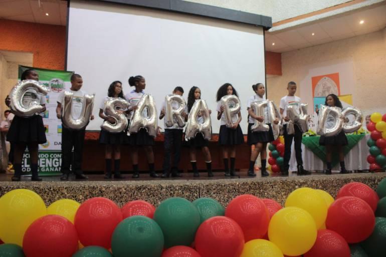 "Clausuran campaña de prevención ""Gusarapeando Ando"" en Cartagena: Clausuran campaña de prevención ""Gusarapeando Ando"" en Cartagena"