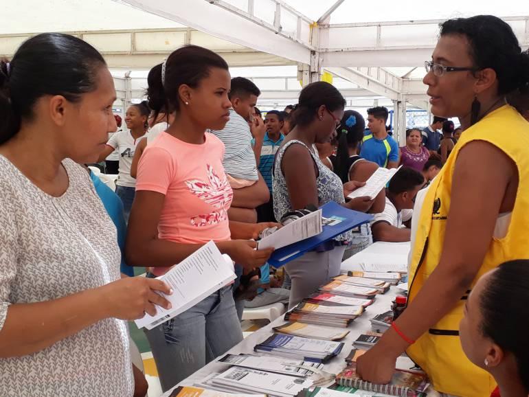 Oferta institucional para víctimas, al barrio Alberto Uribe de Cartagena: Oferta institucional para víctimas, al barrio Alberto Uribe de Cartagena