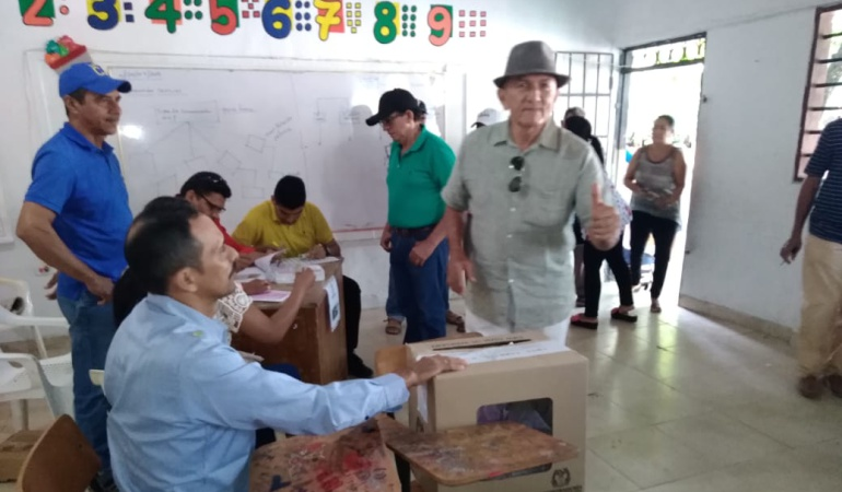 Nuevo alcalde de Betulia: Julio Díaz Ortega, nuevo alcalde de Betulia tras ganar elecciones atípicas