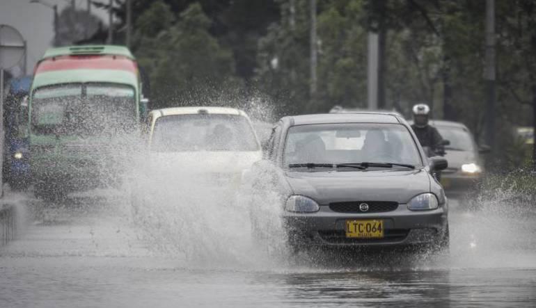 Fuertes lluvias: Onda tropical en la región Caribe causa lluvias y fuertes vientos