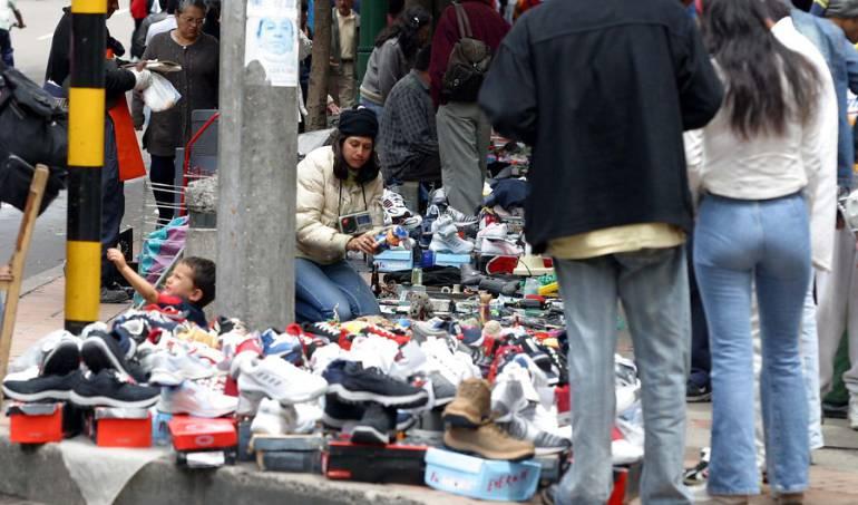 Contrabando: Solo el 8,9% de vendedores informales han sido reubicados en Bogotá