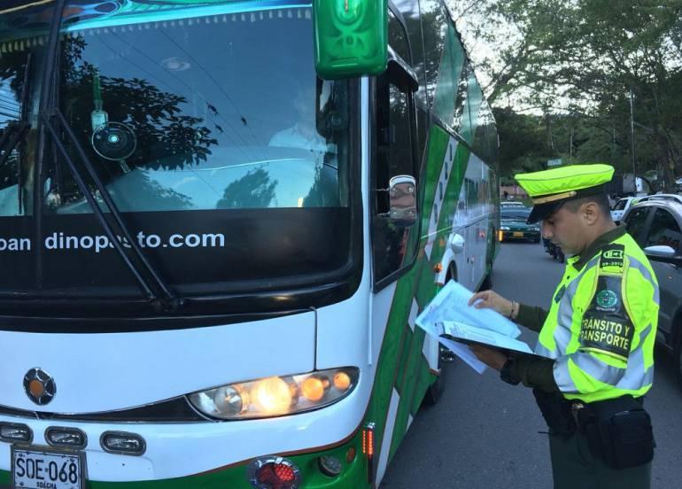 CONTROLES BUSES VENEZOLANOS TURISTAS ACCIDENTADOS: Autoridades realizan controles en buses de Turismo