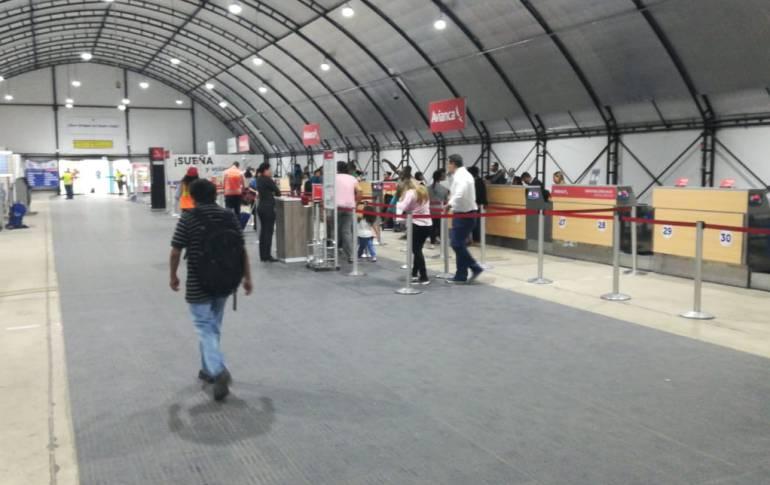 Quejas de usuarios por incomodidades en el aeropuerto Cortissoz