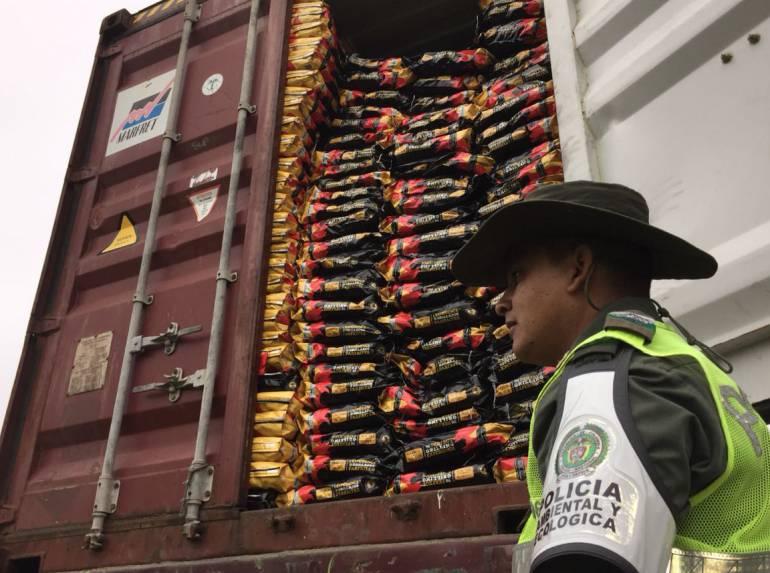 Carbón Vegetal: Policía incauta 16 toneladas de Carbón Vegetal en el Atlántico