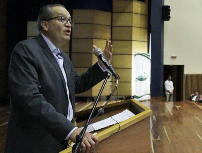 """Procurador Carrillo en Manizales: """"Las Corporaciones Autónomas son una plataforma para la política más baja"""""""