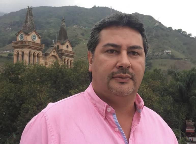 Procuraduría sancionó con tres meses de suspensión al alcalde de Barbosa