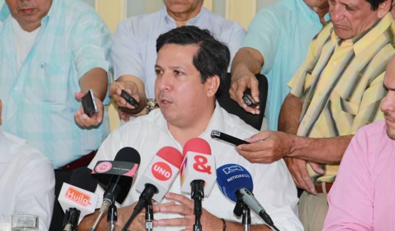 Alcalde de Neiva lidera protesta a Bogotá para exigir solución del estadio