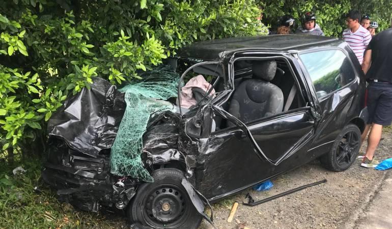 Accidentes tráfico: Accidente de tránsito en la vía a La Virginia deja 11 personas heridas