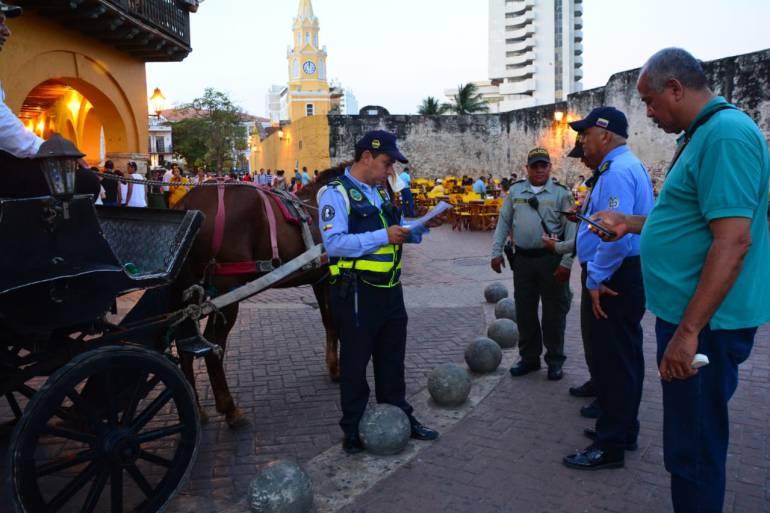 DATT realizó revisión técnica a coches turísticos de Cartagena: DATT realizó revisión técnica a coches turísticos de Cartagena