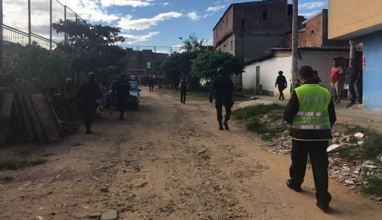 EN ESTORAQUES TRES BANDIDOS SE DISPUTAN EL NEGOCIO DEL MICROTRÁFICO: Video: Tres bandidos se disputan el negocio de las drogas en Estoraques