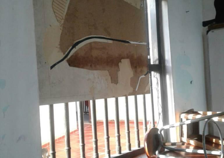 Plantón por problemas de infraestructura en el Mayor de Bolívar: Plantón por problemas de infraestructura en el Mayor de Bolívar