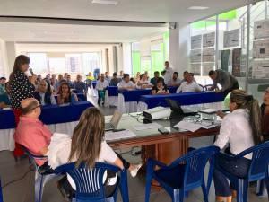 En la sede de la defensoría del pueblo se reunieron todos los actores involucrados en las tarifas de EPQ