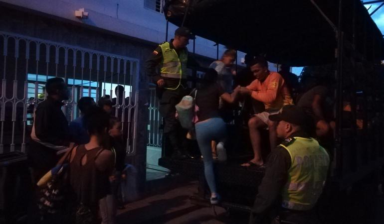 Viviendas donde eran alojados venezolanos en condiciones de hacinamiento
