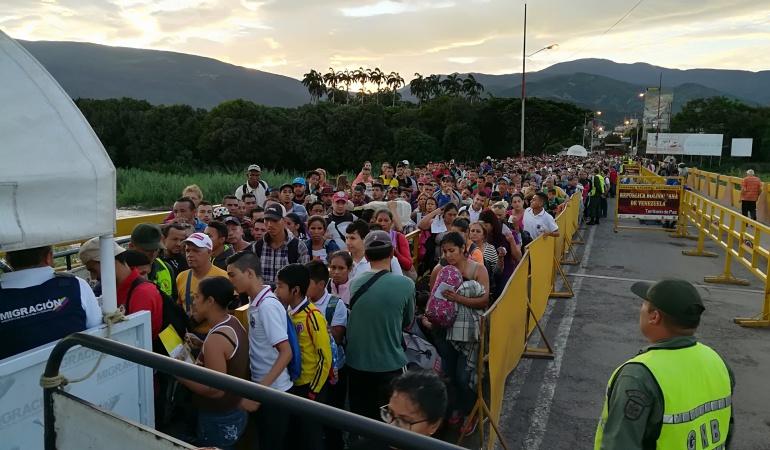 Flujo migratorio de venezolanos por el puente internacional Simón Bolívar