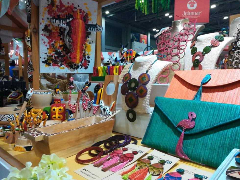 Las artesanías son otros de los atractivos que engalanan este festival gastronómico