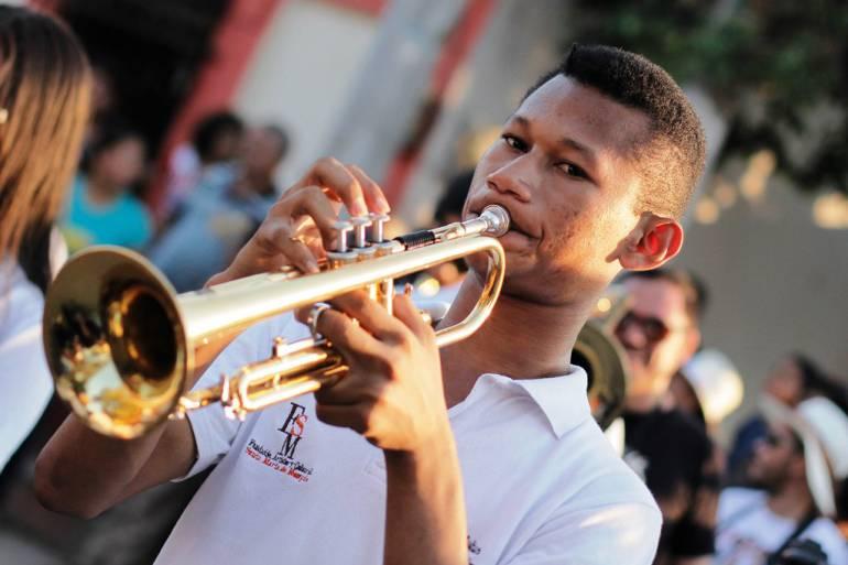 Niños de la Filarmónica Juvenil India Catalina al Festijazz de Mompox: Niños de la Filarmónica Juvenil India Catalina al Festijazz de Mompox