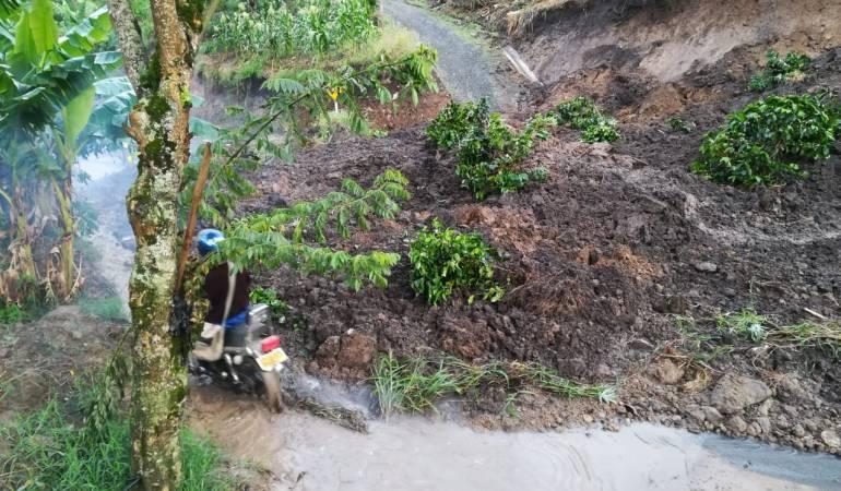 Fuertes lluvias con granizadas causaron emergencias en vías de Risaralda