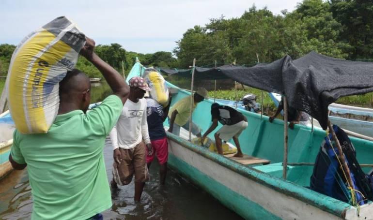 Reconstrucción colegio Sucre: Entregan ayuda para reconstruir colegio en Boca Cerrada