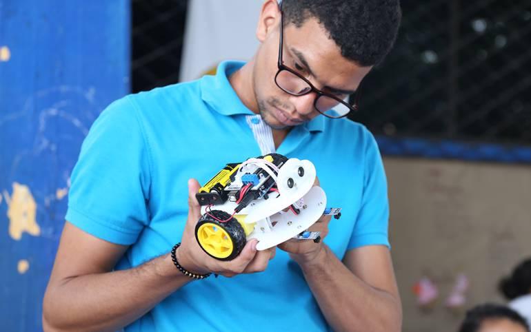 20 robots es el nuevo material para el aprendizaje en colegio de Cartagena: 20 robots es el nuevo material para el aprendizaje en colegio de Cartagena