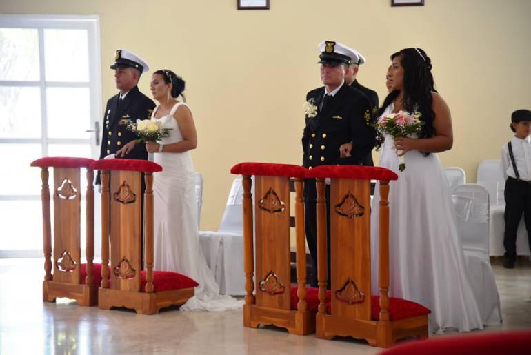 La Armada Nacional celebró matrimonios colectivos en Cartagena: La Armada Nacional celebró matrimonios colectivos en Cartagena