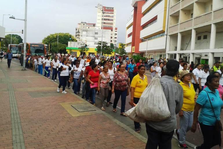 Marcha de madres comunitarias afectó operación de Transcaribe en Cartagena: Marcha de madres comunitarias afectó operación de Transcaribe en Cartagena