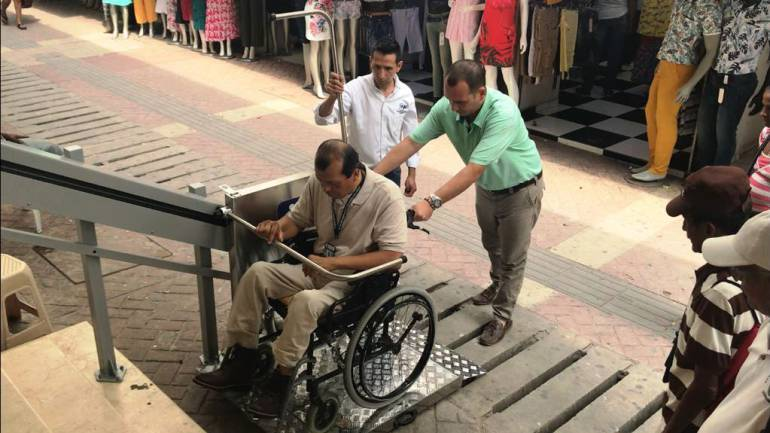 Instalan Plataforma Salva Escalera en las Antiguas EEPP de Cartagena: Instalan Plataforma Salva Escalera en las Antiguas EEPP de Cartagena