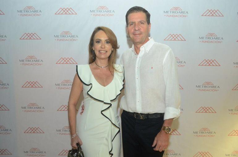 """Katya Barrio que fue liberada y el empresario Rodolfo """"Fito"""" Acosta sigue desaparecido."""