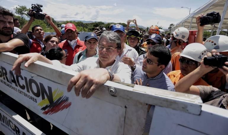 Visita del canciller Carlos Holmes Trujillo a la frontera con Venezuela