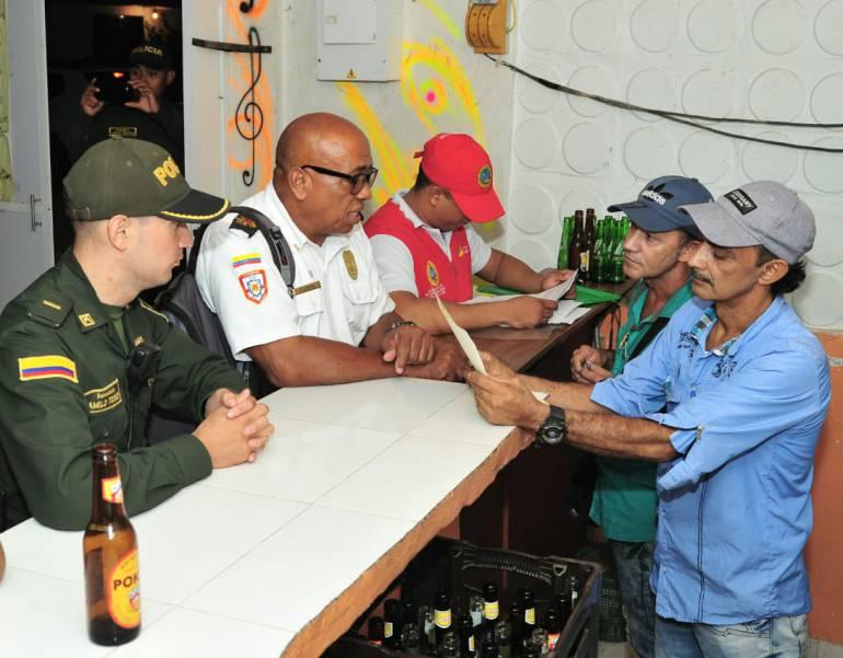 Cierran otros cuatro establecimientos por documentación en Cartagena: Cierran otros cuatro establecimientos por documentación en Cartagena