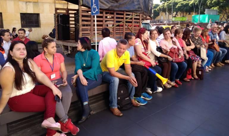 EDUCACIÓN, PROFESORES, MAESTROS.: Profesores de Bucaramanga, realizan mitin