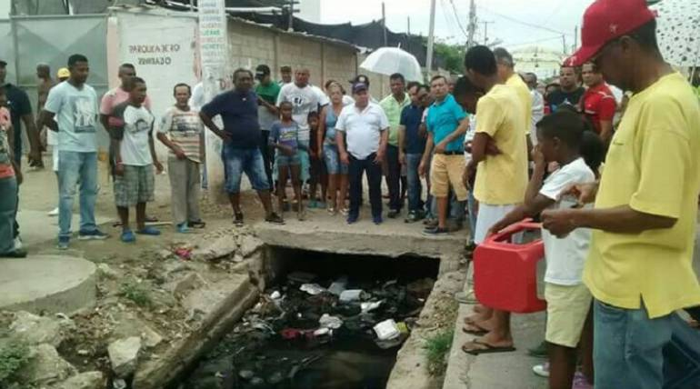 Barrio Chino en Cartagena cerró en protesta el tráfico por una de sus vías