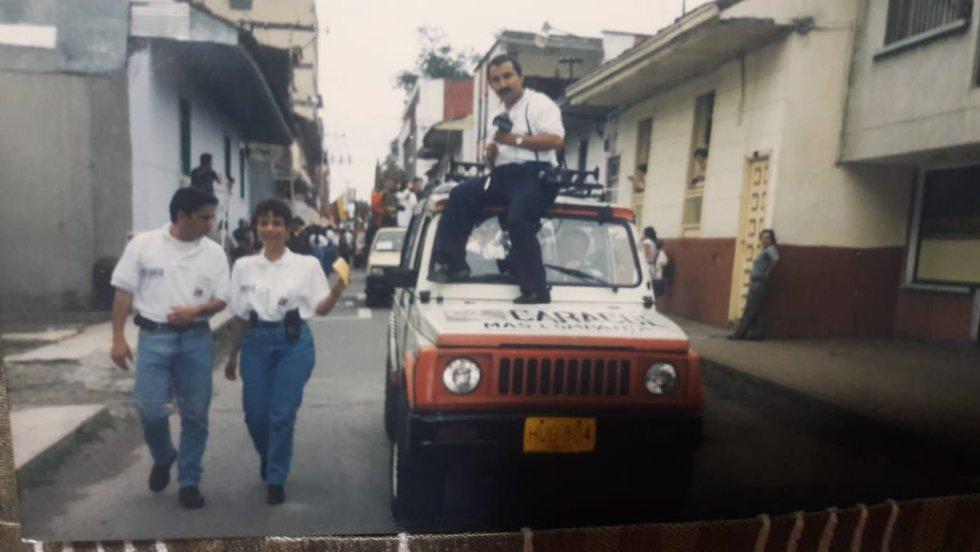 La móvil de Caracol Radio Armenia en la década de 1990