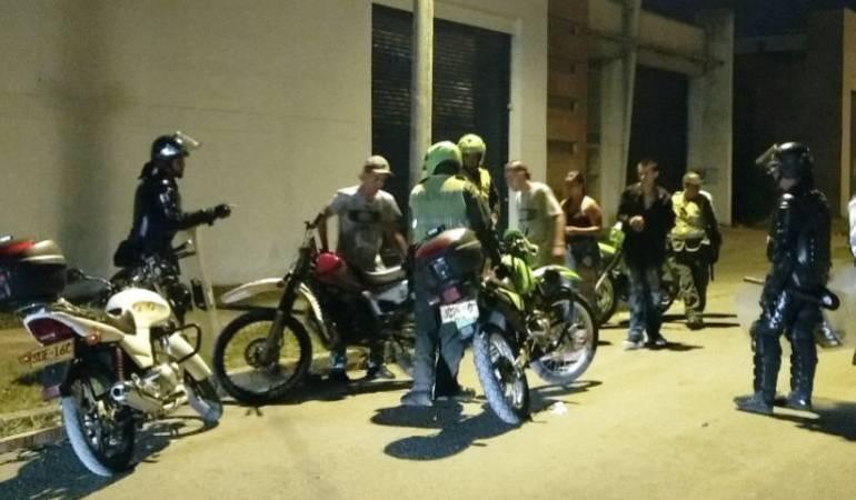 Piques ilegales deja gravemente herido a un motociclista