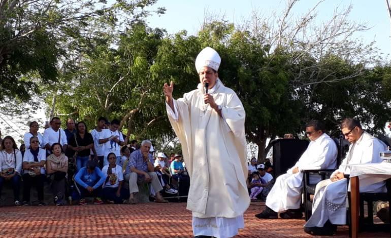 """Dosis mínima: Arzobispo de Barranquilla pide """"debate serio"""" por control a dosis mínima"""