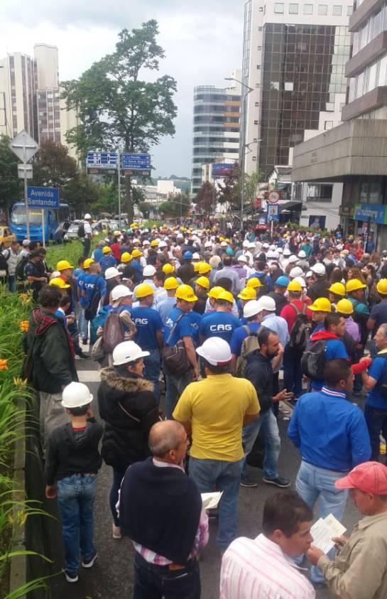 Marcha, garantías Jurídicas, Manizales, Constructoras, obreros: Más de 2000 personas del sector de la construcción marcharon en Manizales