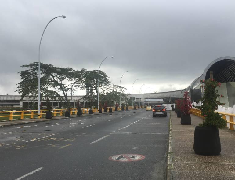 Taxistas bloquearon acceso al aeropuerto José María Córdova de Rionegro