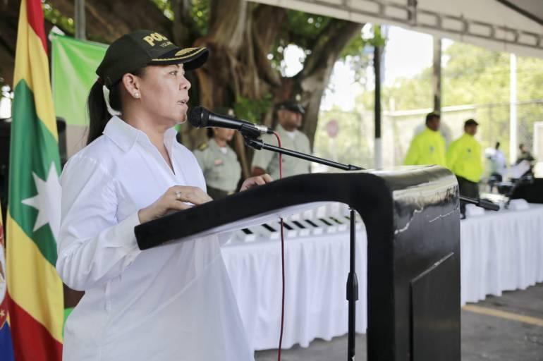 Alcaldesa entrega equipos tecnológicos y de comunicación a la Policía: Alcaldesa entrega equipos tecnológicos y de comunicación a la Policía