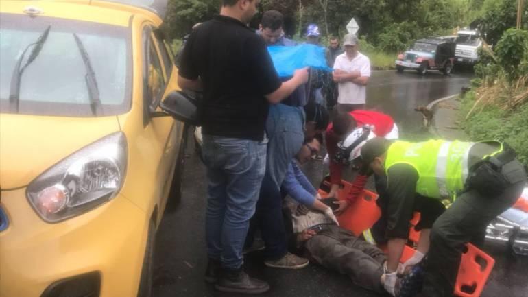 Muerte por accidente de tránsito en Bolivia Caldas: Anciano de 84 años murió luego de que un taxi lo atropelló en Pensilvania