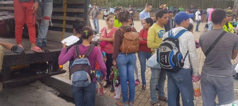 Venezolanos en Santander: Más de 120 mil venezolanos hay en Santander : Gobernador