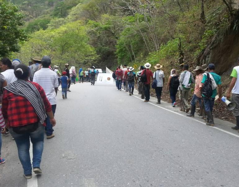 protestas,Ituango, enfrentamientos: Protesta en Ituango terminó en enfrentamientos verbales en Ituango