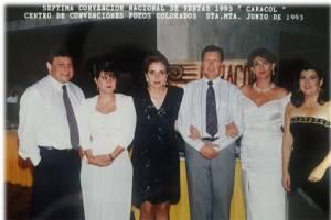 Convención Caracol Radio a nivel nacional, María Doris Gutierrez segunda de blanco de izquierda a derecha al lado de Carmen Elisa Valencia, ex gerente de Caracol Radio. Q.E.P.D.