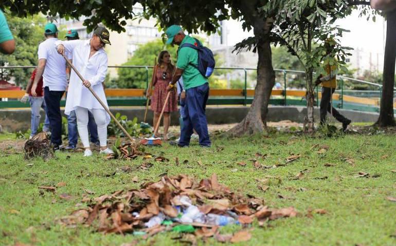 Parque Centenario de Cartagena: Realizan limpieza y siembran 400 plantas en Parque Centenario de Cartagena