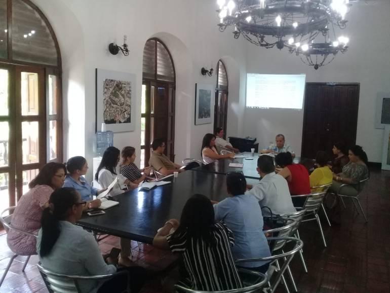 Socializan en Cartagena nuevas reglas sobre áreas y líneas de inmuebles