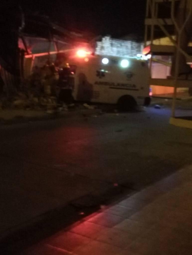 Accidente: Ambulancia robada terminó estrellada