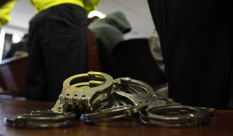 Cuatro personas capturadas.