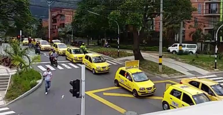 taxistas, aplicación, Medellín, competir: Taxistas de Medellín crean App para competir con Uber y Cabify