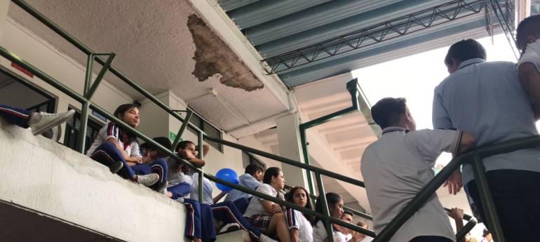 Estudiantes del colegio El Carmen tendrán que evacuar: 590 estudiantes del Colegio El Carmen deberán ser evacuados