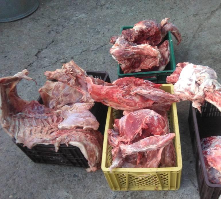 incautan, carne, sanitarias: Incautan 1.5 toneladas de carne en un parqueadero de Envigado