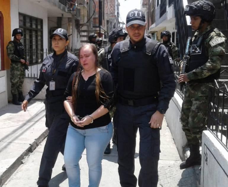 Detenida en Cali mujer que mando a matar a su esposo Policía: Capturan a mujer que pago $7 millones por asesinar a Policía